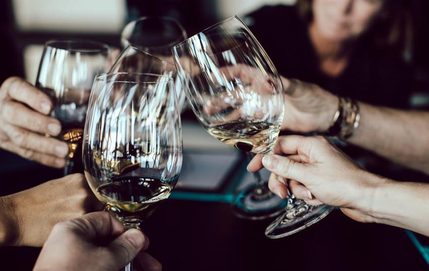 Zveme vás na skleničku
